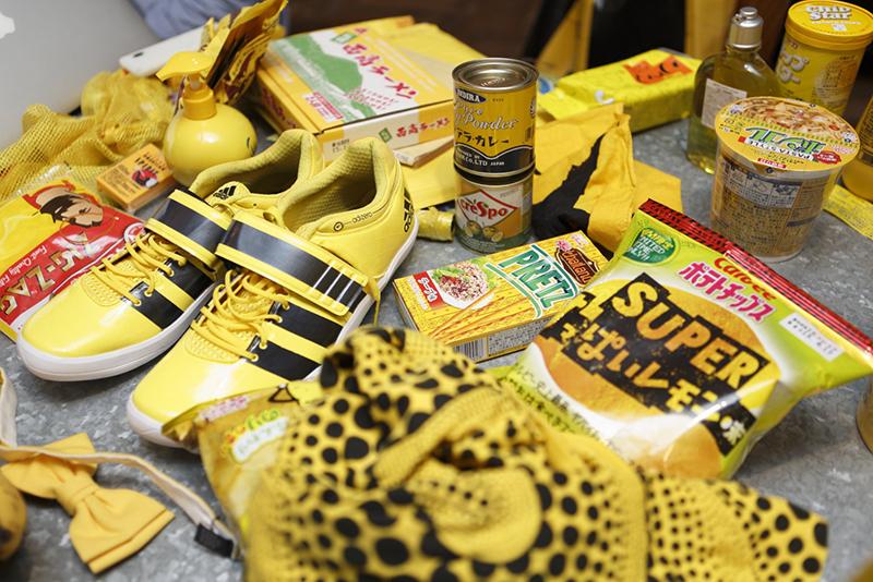 ずらりとそろった黄色コレクションですが、これらはほんの一部。多くは、今年3月に個展を行った京都の事務所で保管しているそうです。