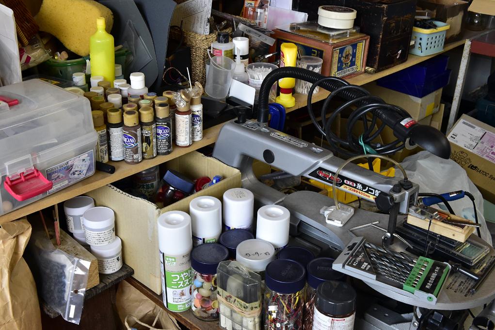 高野さんと奥さんの道具が1カ所に集められています。(撮影場所3)