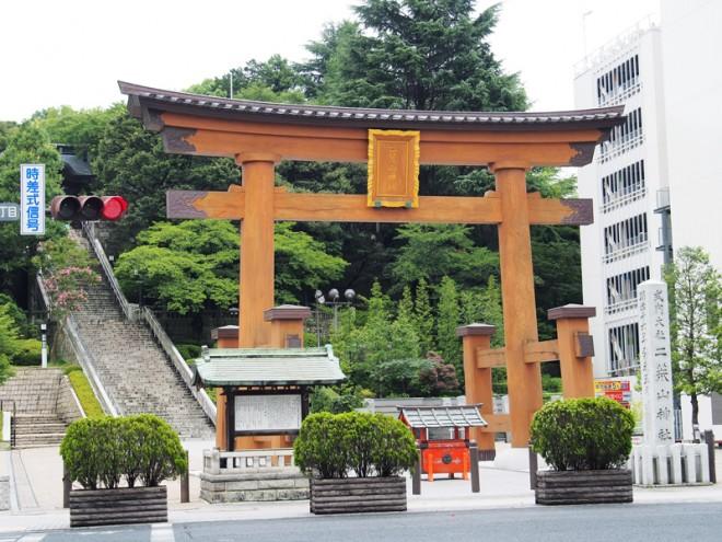 下総国一宮「二荒山神社」。社号が宇都宮という地名の由来になったと伝えられています。