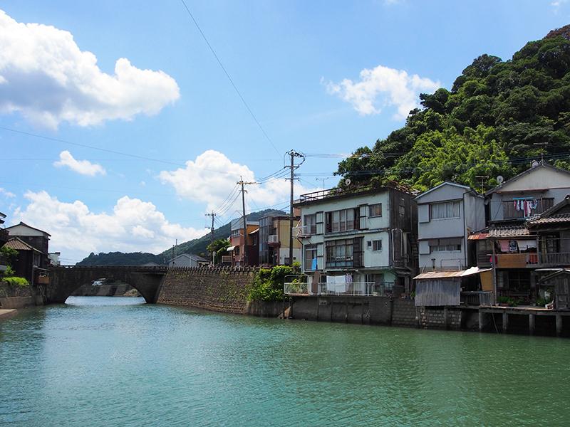 江戸時代に造られた堀川運河。1992年公開の映画「男はつらいよ 寅次郎の青春」のロケ地としても有名です。
