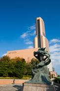 JR「浜松」駅北側の「アクトシティ浜松」