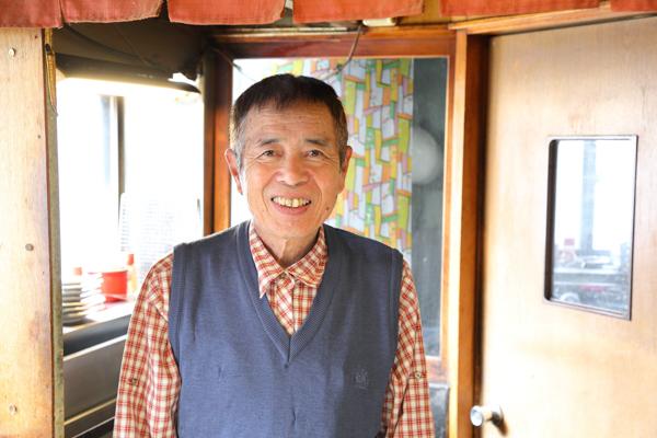 こちらが店主の川島実さんです。笑顔で出迎えていただきました。