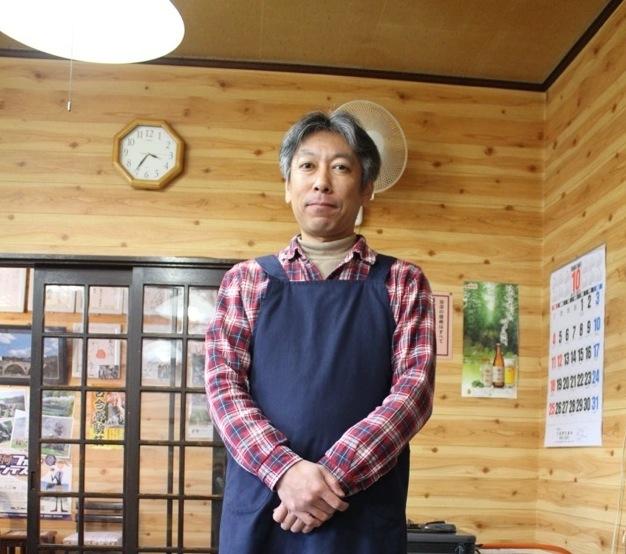 「遠いところからようこそ」と迎えてくれた、店長の安部公弥さん。