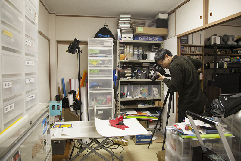 (4)学生時代から続けてきた、文具のレビューが高畑さんの本業のひとつ。