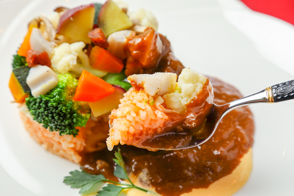 野菜を煮込んでいないので、地元野菜の食感や風味がダイレクトに伝わってきます。