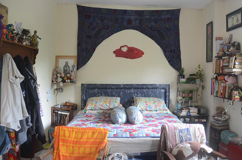 「コス」とは思えないくらいゆったりとしたベッドルーム。